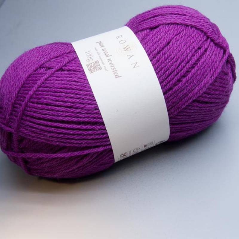 Rowan Pure Wool Worsted 121 morello 100g